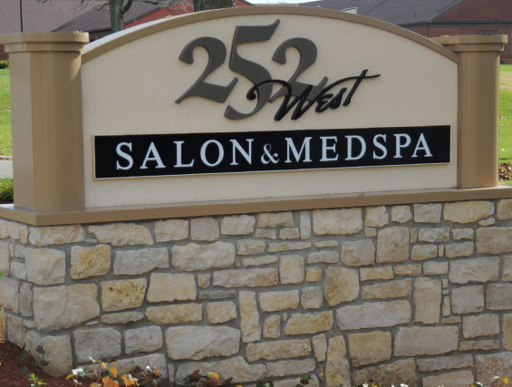 252 West Salon contact information